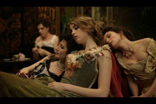 """Adèle Haenel dans """"L'Apollonide, souvenirs de la maison close""""."""