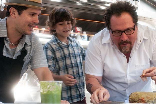 Jon Favreau, à droite, réalisateur et acteur principal de #Chef.