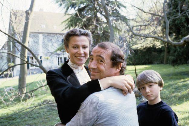 A 8 ans, en 1979, avec son père et Michèle, sa mère.