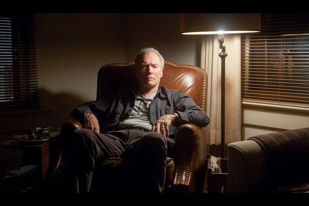 """Clint Eastwood dans son dernier film """"Trouble with the curve"""" où il incarne une ancienne gloire du base-ball qui, avant de devenir aveugle, part à la recherche du champion de demain."""