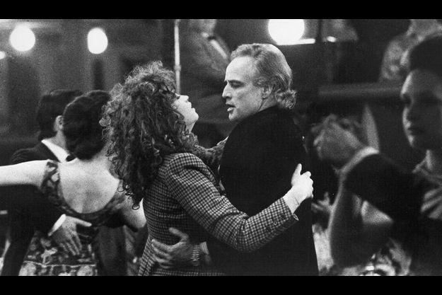 """1972 : choisie par le metteur en scène italien Bertolucci, Maria Schneider est, avec Brando, la vedette du scandaleux """"Dernier Tango à Paris""""."""