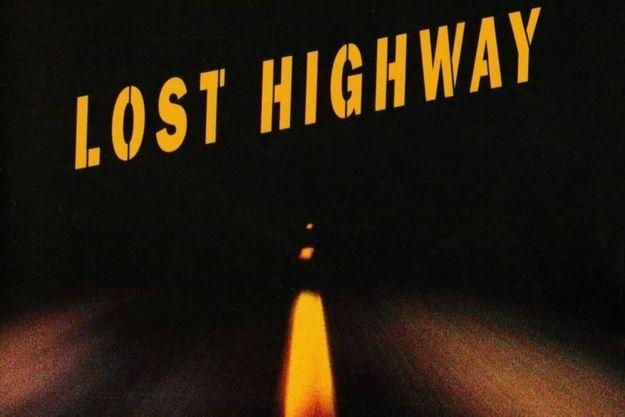 """""""I'm Deranged"""" chante David Bowie sur le générique final de """"Lost Highway"""" de David Lynch."""