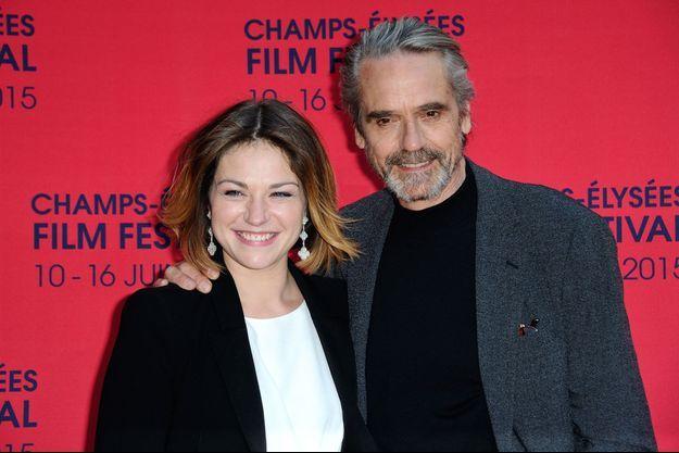 Emilie Dequenne et Jeremy Irons lors de la soirée d'ouverture du Champs-Elysées Film Festival.