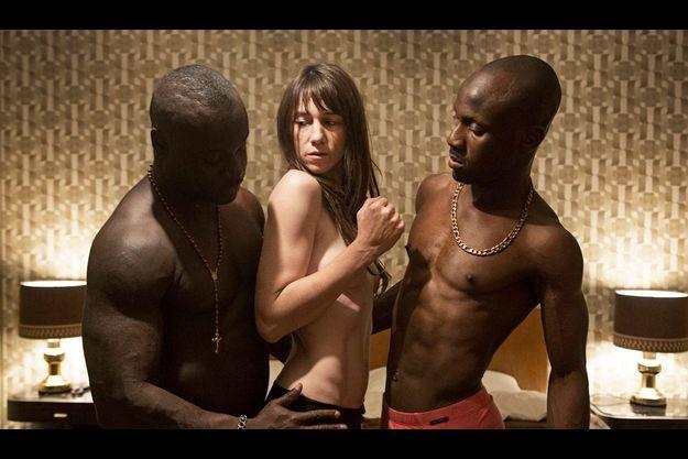 """Charlotte Gainsbourg et deux acteurs inconnus, dans """"Nymphomaniac""""."""