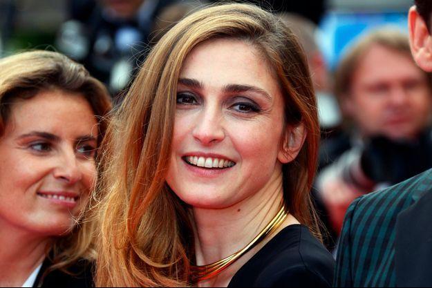 """Julie Gayet, marraine du film """"L'Homme qui répare les femmes - La colère d'Hippocrate"""" de Thierry Michel"""