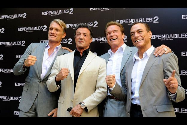 De gauche à droite, Dolph Lundgrenn, Sylvester Stallone, Arnold Schwarzenegger et Jean-Claude Van Damme.