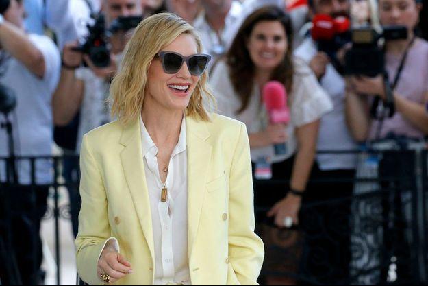 Cate Blanchett sur la Croisette, le lundi 7 mai.