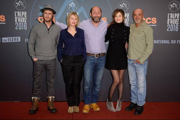 De droite à gauche le jury: Patrick Bosso, Alice Pol, Kad Merad, Karin Viard et Philippe Lacheau