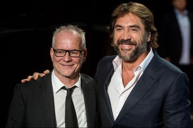 Thierry Frémaux et Javier Bardem lors de la soirée d'ouverture du 10e Festival Lumière.