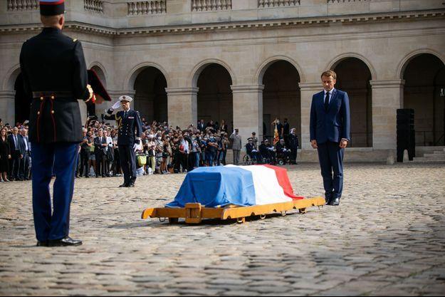 """Hommage national à """"Bébel"""" : Nos larmes n'en croient pas leurs yeux"""