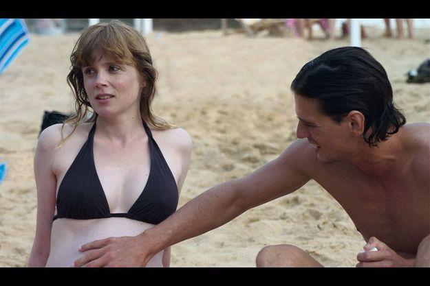 Isabelle Carré et Louis-Ronan Choisy dans «Le refuge».