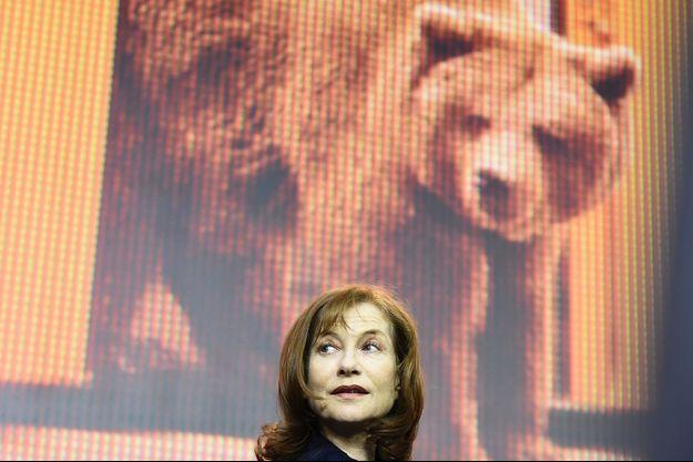 Isabelle Huppert pourrait bien obtenir l'Ours d'argent du 66e Festival de Berlin.