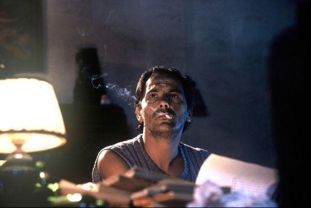"""Jean-Pierre Bacri sur le plateau de tournage du film """"L'été en pente douce""""."""