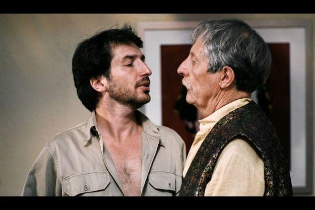 "Jean Rochefort et Edouard Baer dans ""Akoibon"""