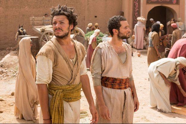 """Kev Adams dans """"Les Nouvelles aventures d'Aladin""""."""