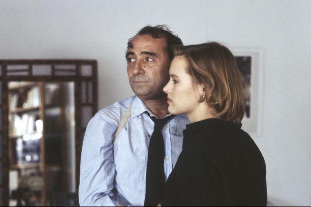 """Claude Brasseur et Gabrielle Lazure dans """"La Crime"""" de Philippe Labro."""