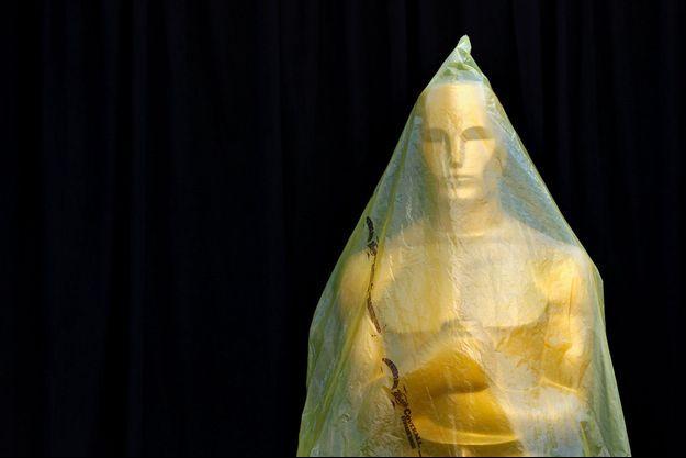Une statuette des Oscars sous plastique, en février 2015, avant la cérémonie (photo d'illustration).