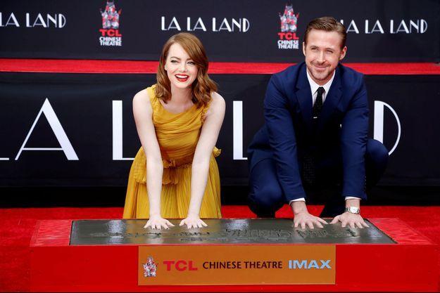 Emma Stone et Ryan Gosling ont posé leurs empreintes à Hollywood.