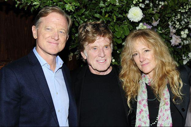 Robert Redford entre son fils James et sa fille Shauna en 2017