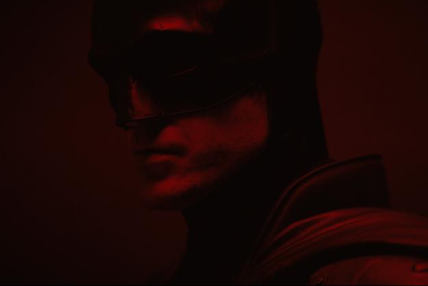 Robert Pattinson en costume de Batman.