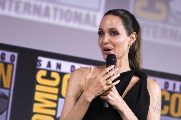"""Angelina Jolie lors de la présentation des """"Eternals"""" au Comic Con de San Diego."""