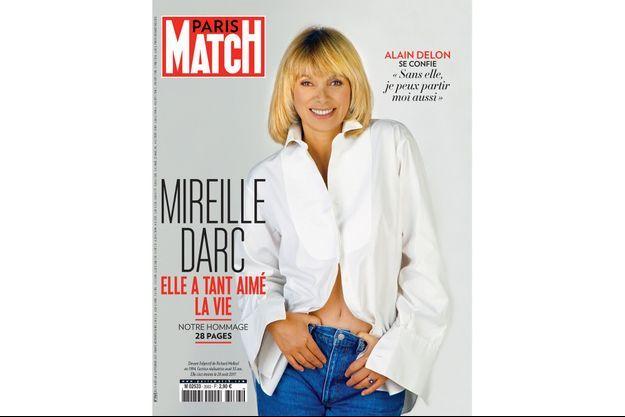 Mireille Darc en couverture de Paris Match