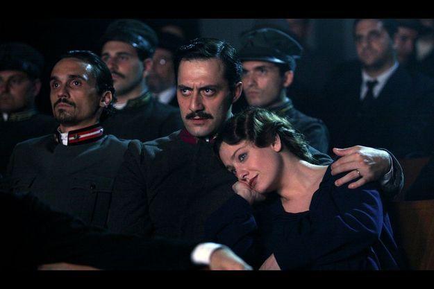 Benito Mussolini (Filippo Timi) et Ida Dalser (Giovanna Mezzogiorno).