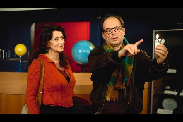 Noémie Lvovsky avec Denis Podalydès dans le rôle du prof de physique de Camille.