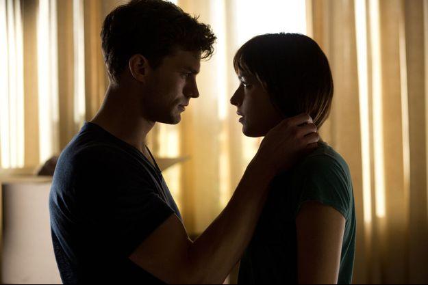 "Jamie Dornan et Dakota Johnson dans ""50 Nuances de Grey""."