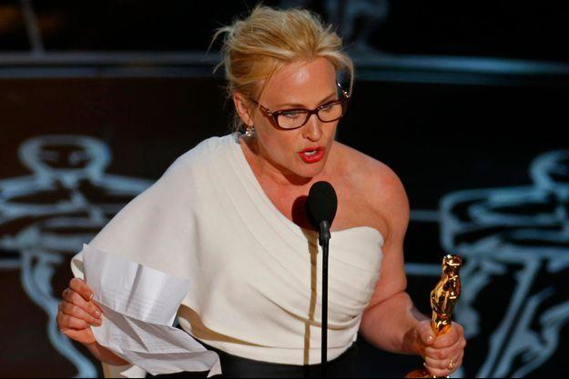 Patricia Arquette lors de son discours sur la scène des Oscars.