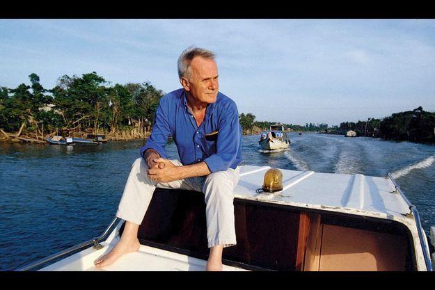 1991, au Cambodge, il retrouve le Mékong après la mousson, alors qu'il va tourner son film « Diên Biên Phu ».