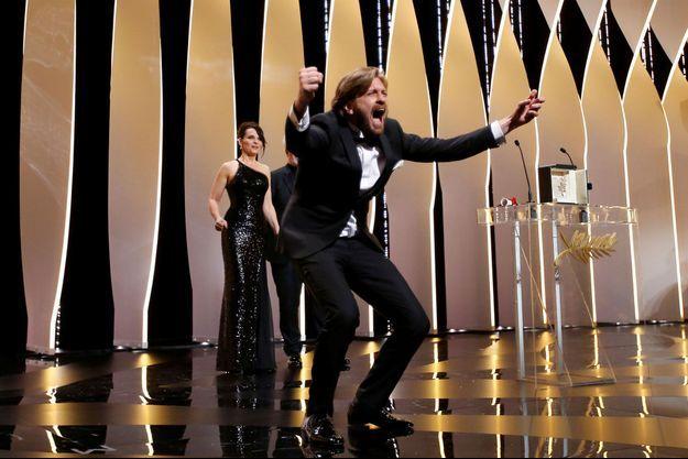 La joie de Ruben Östlund lors de cérémonie de clôture du 70e Festival de Cannes.