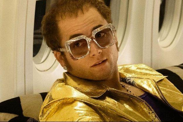 """Taron Egerton dans le rôle d'Elton John dans """"Rocketman""""."""