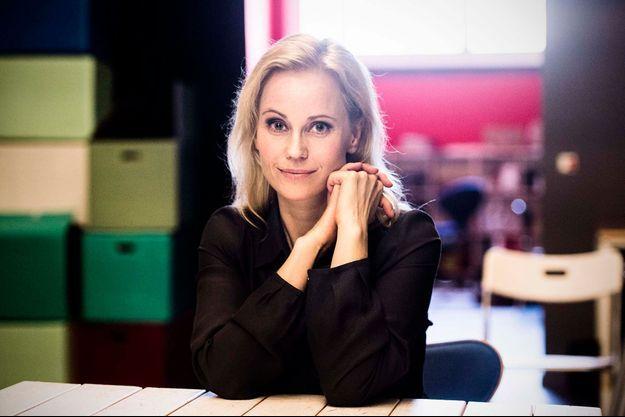 L'actrice suédoise Sofia Helin cosigne la tribune.