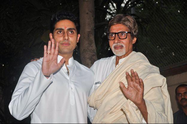 Amitabh Bachhan et son fils Abhishek en 2011.