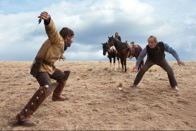 Tommy Lee Jones (à droite) revient avec son deuxième film en tant que réalisateur.