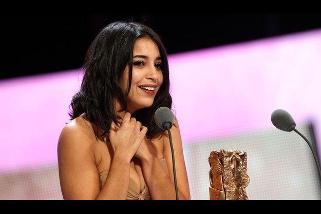"""Leïla Bekhti récompensée d'un César pour """"Tout ce qui brille"""", en février 2011."""
