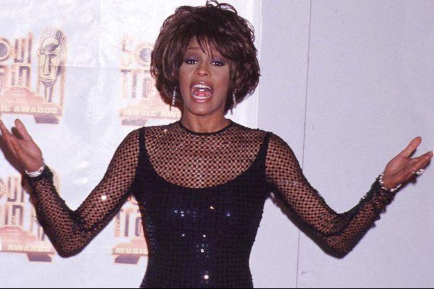 Whitney Houston à Los Angeles en février 1998.
