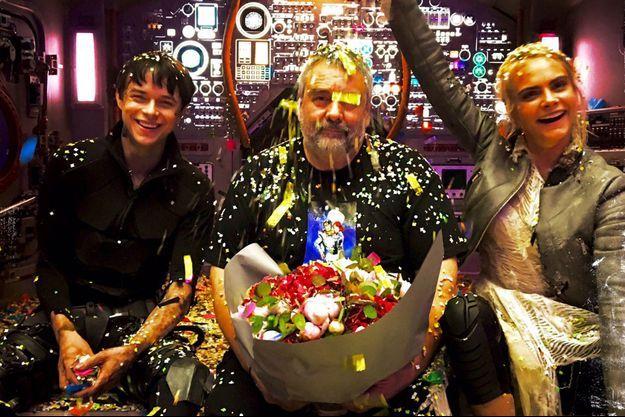 """Dan DeHaan, Luc Besson et Cara Delevingne sur le tournage de """"Valérian"""""""