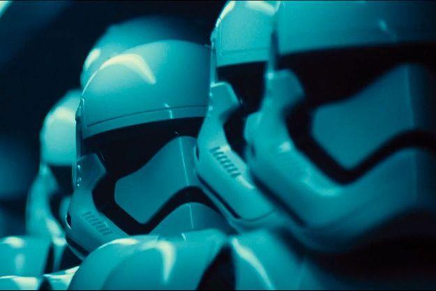 """Les casques des StormTroopers dans la bande-annonce de """"Star Wars: Episode VII - The Force Awakens"""""""