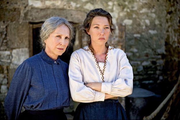 """Nathalie Baye et Laura Smet dans """"Les Gardiennes"""", le nouveau film de Xavier Beauvois."""