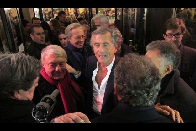 BHL entre Jacques Lanzman et Fr. Bayrou;derrrière lui à lunettes le PDG des editions Plon, Olivier Orban