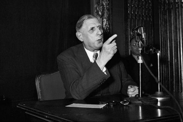 Charles de Gaulle en conférence de presse le 7 avril 1954.