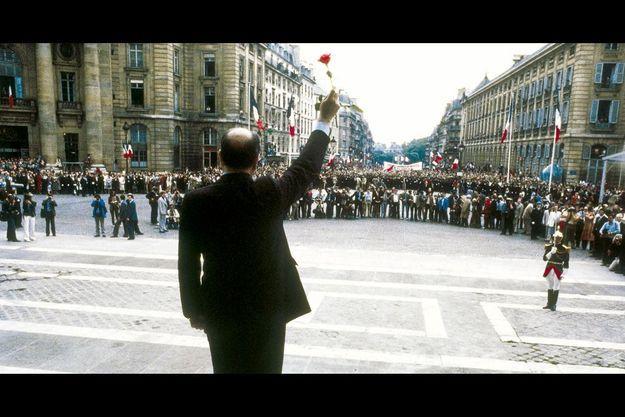 Le 21 mai 1981, le jour de son investiture, le président de la République se rend au Panthéon