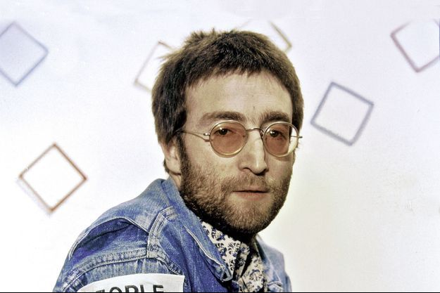 John Lennon dans les coulisses de «Top of the Pops», à Londres, en février 1970.