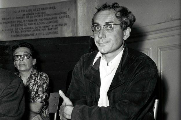Portrait de l'éditeur et écrivain François Maspero, aux côtés de Marguerite Duras.