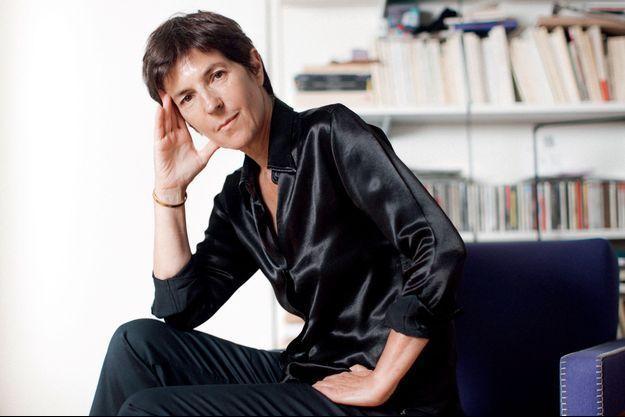 Christine Angot chez elle, à Paris.