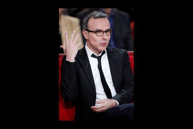 """Philippe Besson dans l'émission """"Vivement Dimanche"""", enregistrée le 1er février."""