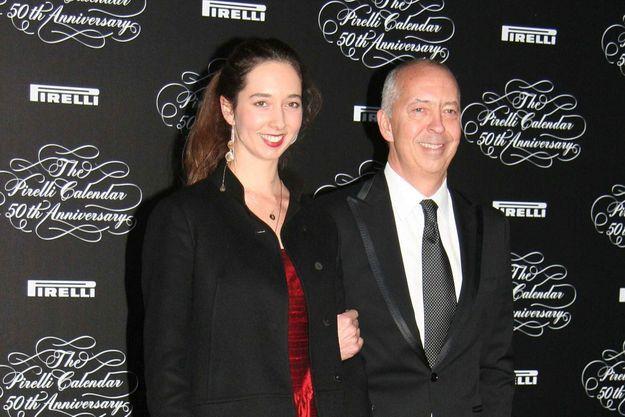 Marlene Taschen avec son père, Benedikt, lors du 50e anniversaire du calendrier Pirelli.