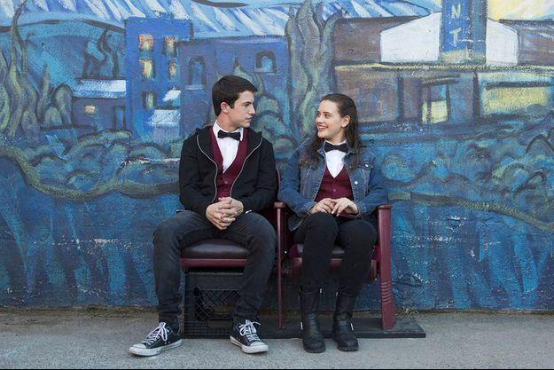 Dylan Minette (Clay Jensen) et Katherine Langford (Hannah